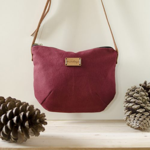 Bolso Nameless granate, bonito y muy ponible