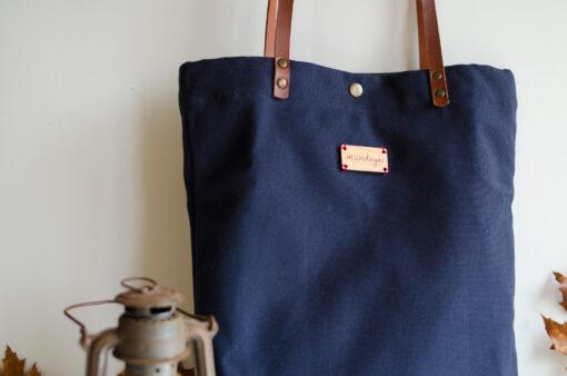 Monochrome Marino, un bolso bonito, ponible y polivalente