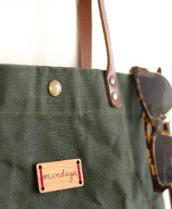 El bolso encerado es el aliado perfecto en invierno